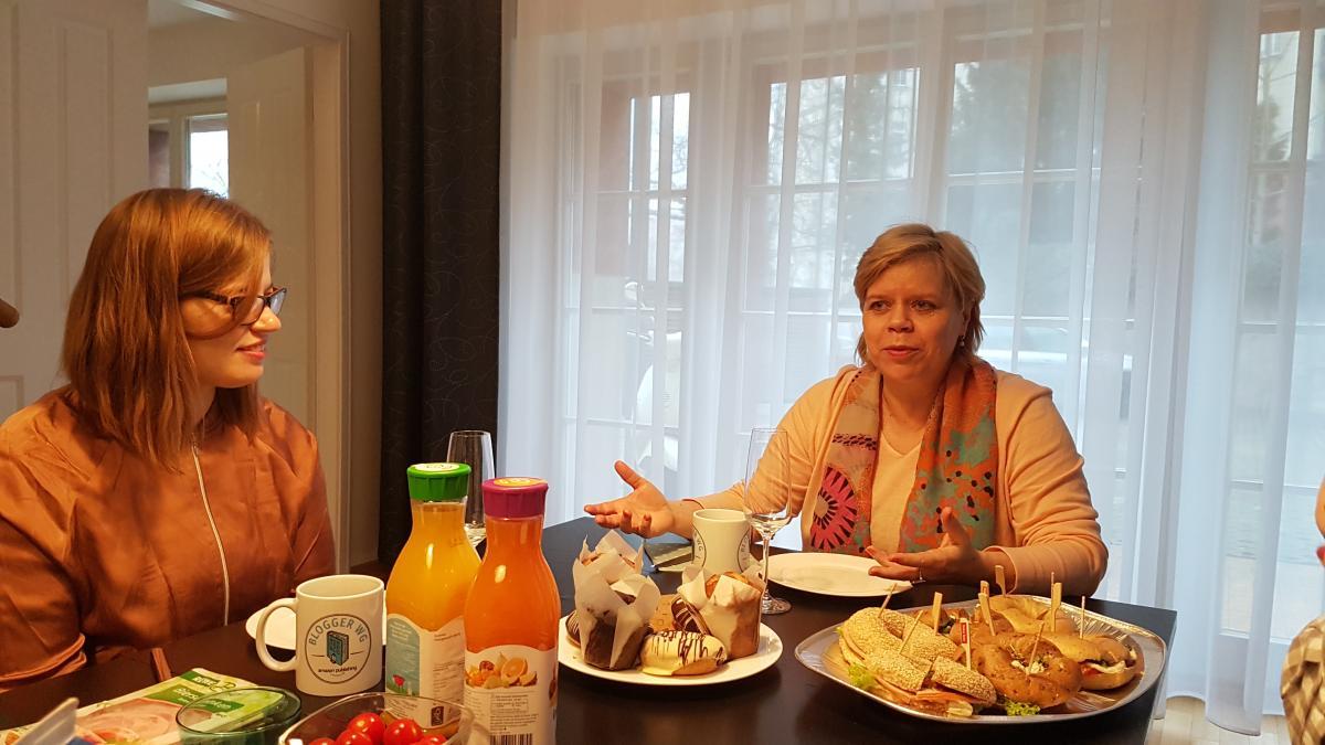 Zum Frühstück besuchte uns Autorin Greta Niels mit ihrer Lektorin Jenny!